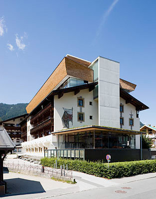 architek tour tirol hotel schwarzer adler umbauten florianigasse 15 kitzb hel tatanka. Black Bedroom Furniture Sets. Home Design Ideas